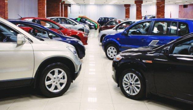 """Е-декларації: чиновник Адміністрації Президента """"забув"""" про кілька автівок - НАЗК"""