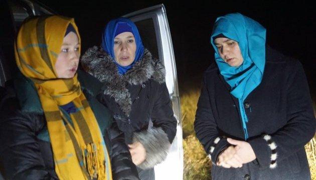 Затриманих на адмінкордоні з Кримом жінок питали про зв'язки з ІДІЛ - журналіст