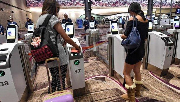 Усе сам: у сінгапурському аеропорту відкрили автоматизований термінал