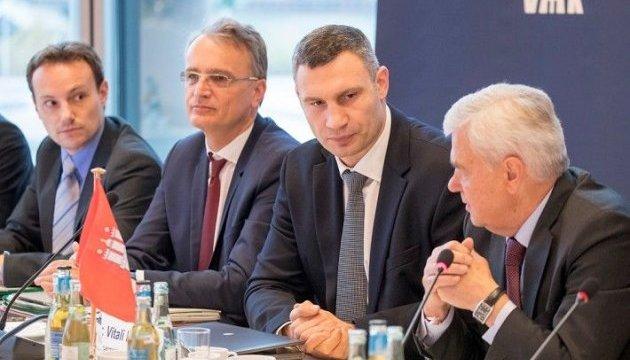 Кличко обговорив з німецькими міністрами добудову Подільсько-Воскресенського мосту