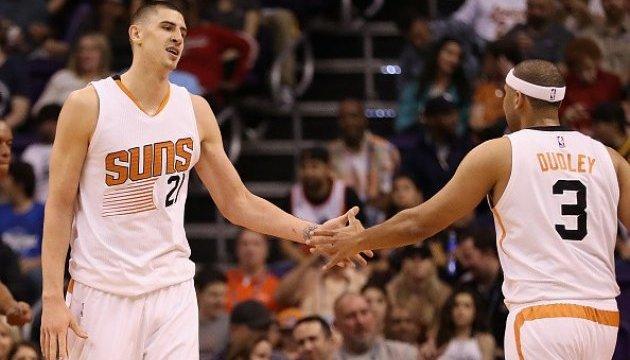 НБА: Українець Лень проводить кращий матч сезону, але його «Фінікс» програє