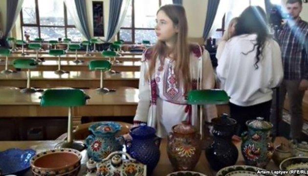 В Киеве проходит благотворительная акция в поддержку детей крымских политзаключенных