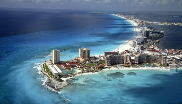 У Мексиці пропонують 10 тисяч доларів на місяць за життя на курорті