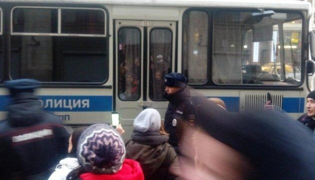 Сина Ігоря Талькова затримано в Москві під час виконання пісень батька