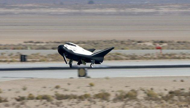 Космический шаттл Dream Chaser успешно испытали в США