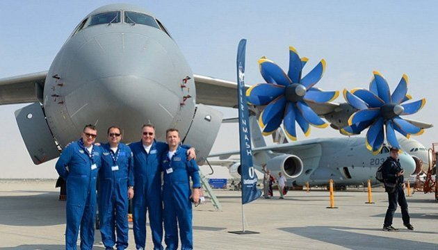 Antonov presents two aircraft at Dubai Airshow