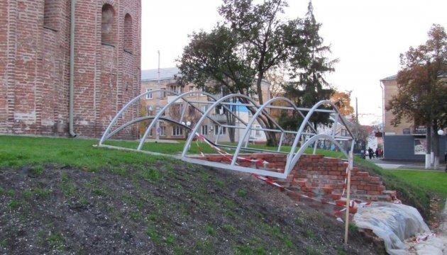 Остатки черниговского монастыря накроют прозрачным куполом
