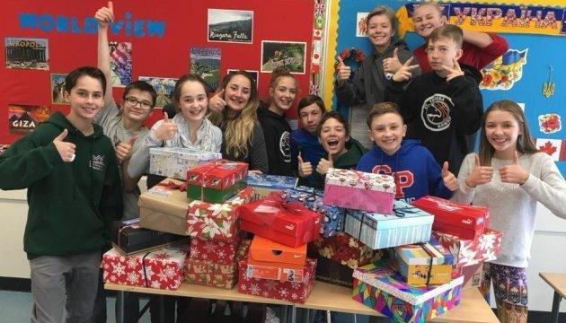 Canadian high school students send Christmas presents for Ukrainian orphans. Photos