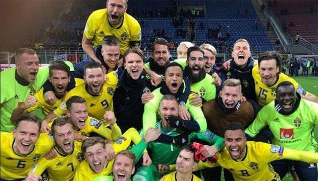 Футбол: капитана сборной Швеции побрили налысо за выход на чемпионат мира