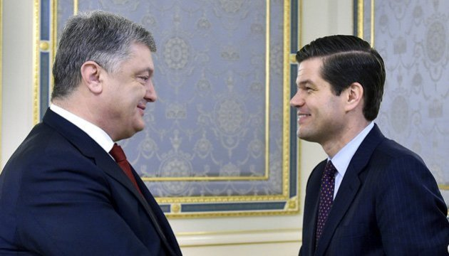 Poroshenko, Mitchell agree on priority steps in Ukraine-U.S. relations