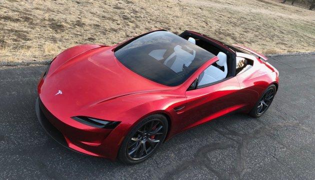 100 км за 2 секунды: Tesla представила самый быстрый серийный электрокар