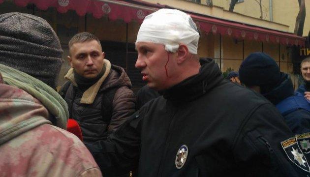 Акция против застройки: в Одессе активисты избили главу полиции области