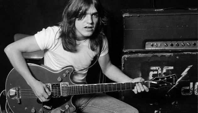 Умер основатель AC/DC Малькольм Янг