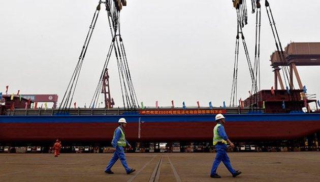 Китай спустил на воду первое в мире грузовое судно, работающее на электроэнергии
