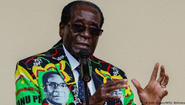 Президенту Зимбабве выдвинули ультиматум: отставка или импичмент