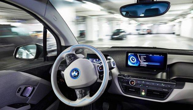 Беспилотные авто могут выехать на дороги Великобритании до 2021 года