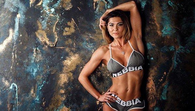 La belleza fitness Maryna Andriyenko se convierte en campeona absoluta del mundo