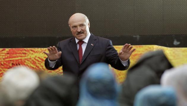 Поделить Беларусь на области и впихнуть в Россию не выйдет - Лукашенко