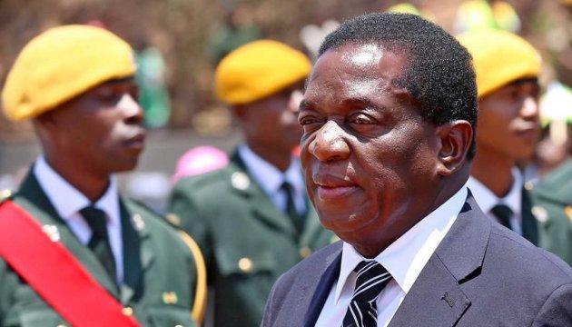 Будущий президент Зимбабве прилетел в страну и выступил перед народом