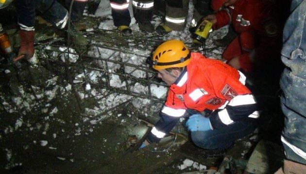 В Ивано-Франковске на стройке обрушилась конструкция, есть погибший