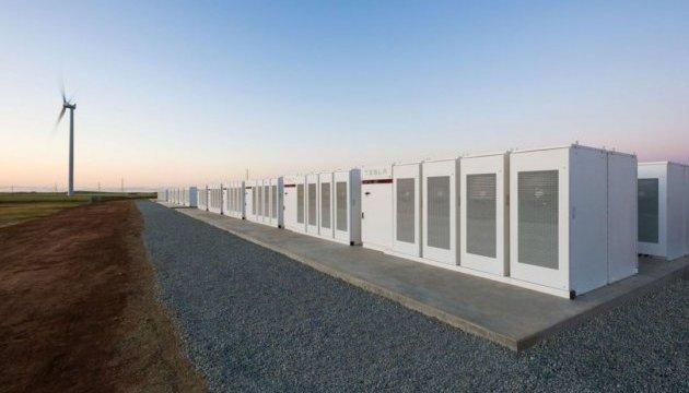Маск встиг за 100 днів побудувати найбільшу в світі батарею Tesla Powerpack