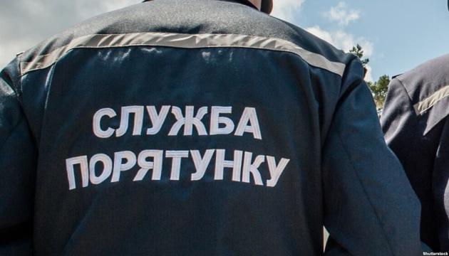 Прикарпатські рятувальники не допустили до купання в небезпечному місці 16 громадян