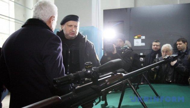 """Турчинов сказав, коли випробують """"Вільху"""", що б'є на 120 кілометрів"""