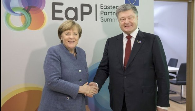 Poroshenko to visit Germany at Merkel's invitation