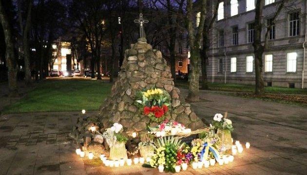 В Вильнюсе почтили 85 годовщину Голодомора