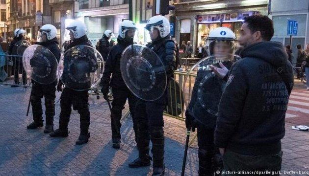 В Брюсселе митинг перерос в беспорядки: полиция применила водометы