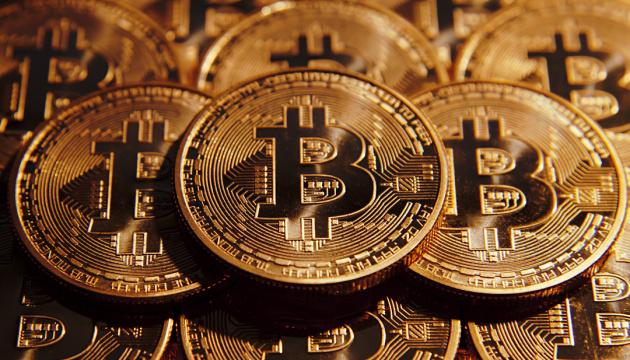Bitcoin вперше за рік подолав позначку в $12 тисяч