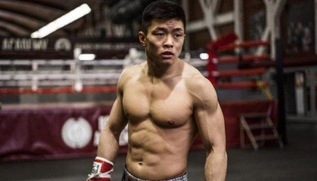 Украинский боксер Хегай нокаутировал непобедимого россиянина