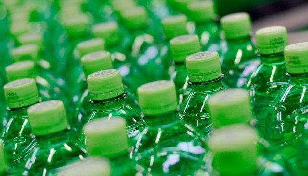 У школах країн ЄС припинять продаж напоїв із цукром
