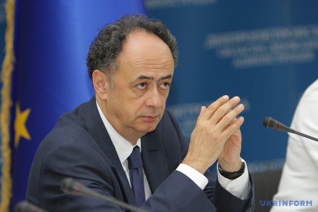 Х'юг Мінгареллі, голова представництва Євросоюзу в Україні