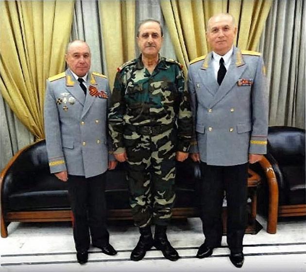 Генерал-полковник Ткачев (слева), министр обороны Сирии Дауд Раджа (в центре), генерал-майор Кужеев (справа)