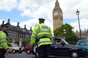 Британцы вышли на акции против расизма-за гибели Джорджа Флойда