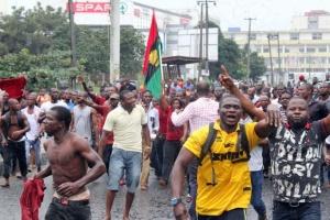 У Нігерії обстріляли учасників мітингу, є загиблі та поранені