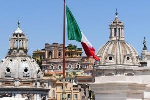 Уряд Італії подав у відставку