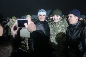 Украине удалось вернуть более 3 тысяч пленных — Порошенко