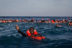 """Врачи без границ"" возобновят спасение беженцев в Средиземном море"