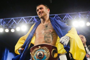 Lomachenko, Pedraza to fight on Dec 8