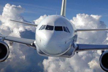 Poroshenko in Portugal agrees to resume regular flights between Kyiv and Lisbon