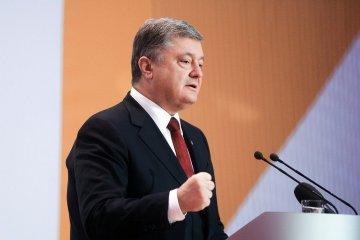 Porochenko a dévoilé les détails de sa discussion avec Poutine