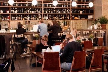 Corona-Lockerungen: Restaurants und Cafés dürfen öffnen, Gottesdienste erlaubt, Ausgangssperre für Senioren aufgehoben