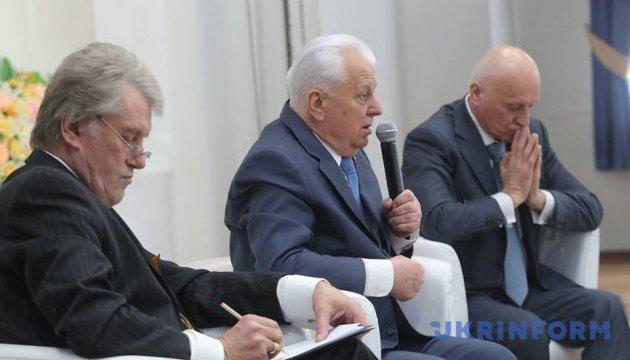 Кравчук вважає, що нині варто провести референдум про вступ до НАТО