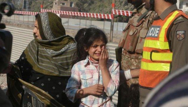 Афганистан: беженцы заполонили Кабул, талибы продолжают наступление