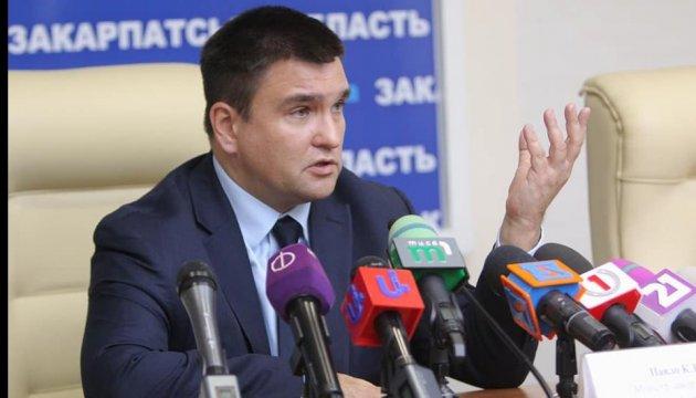 Klimkin espera que el intercambio de rehenes se realice en un futuro cercano