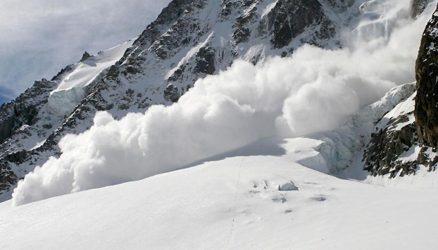 Emergency Service warns of avalanche risk in Ukrainian Carpathians