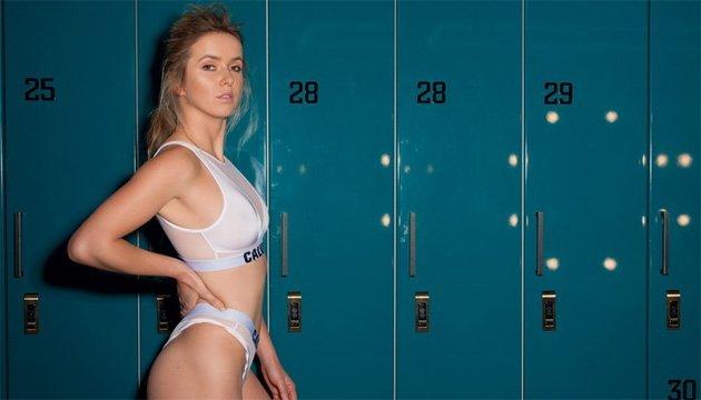Теннис: Свитолина приняла участие в эротической фотосессии