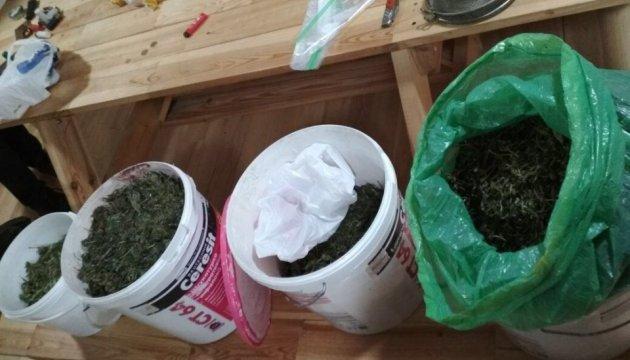 СБУ накрила банду наркоділків, що возили кокаїн із Латинської Америки